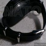 返品された腕時計のベルトをNATOタイプのストラップに交換してみた